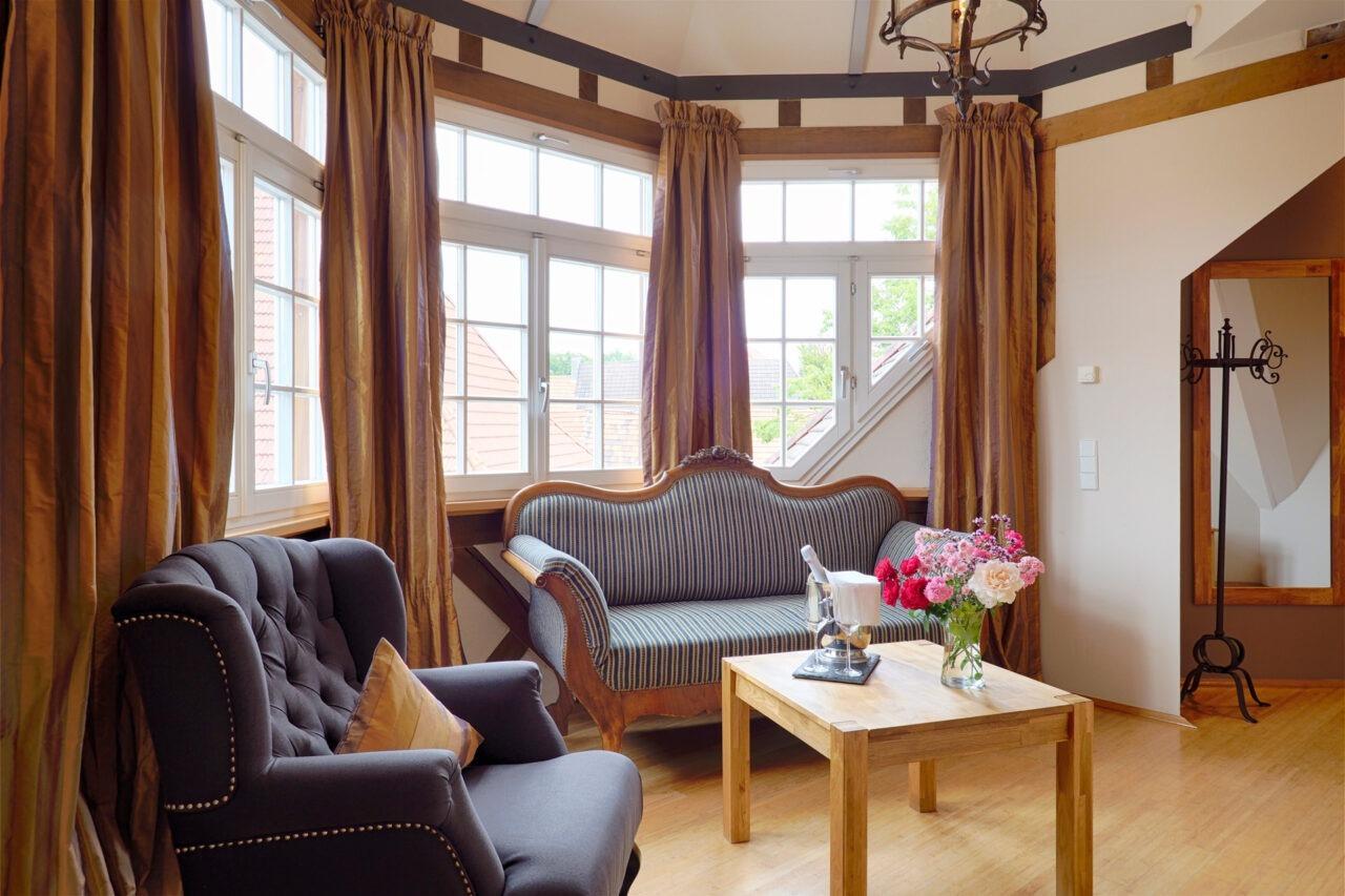 Suite Erker mit Sessel und Chouch